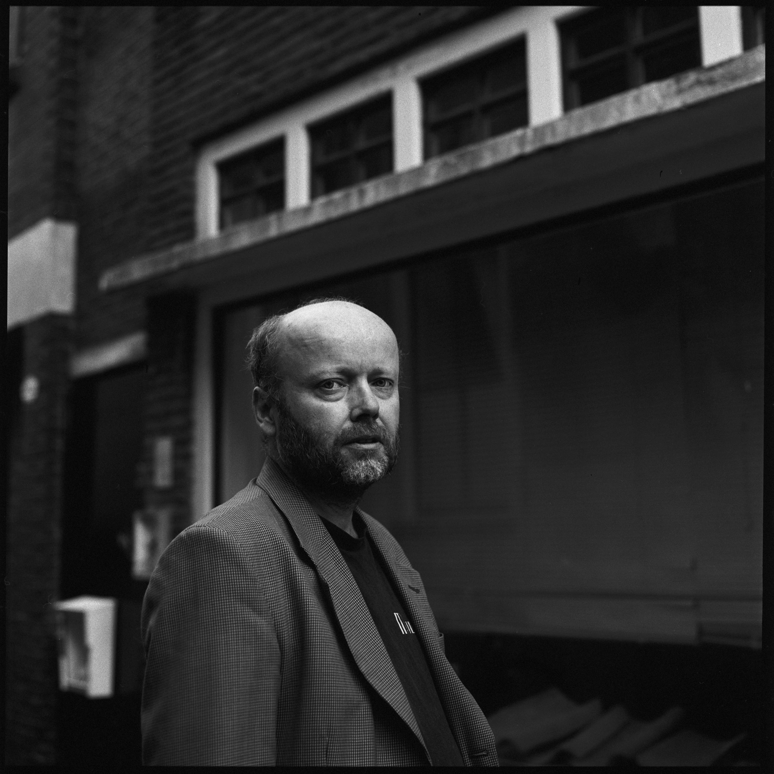 Portret fotograaf - groningen - cafe Mulder Pazzipanten - Robert van der Molen