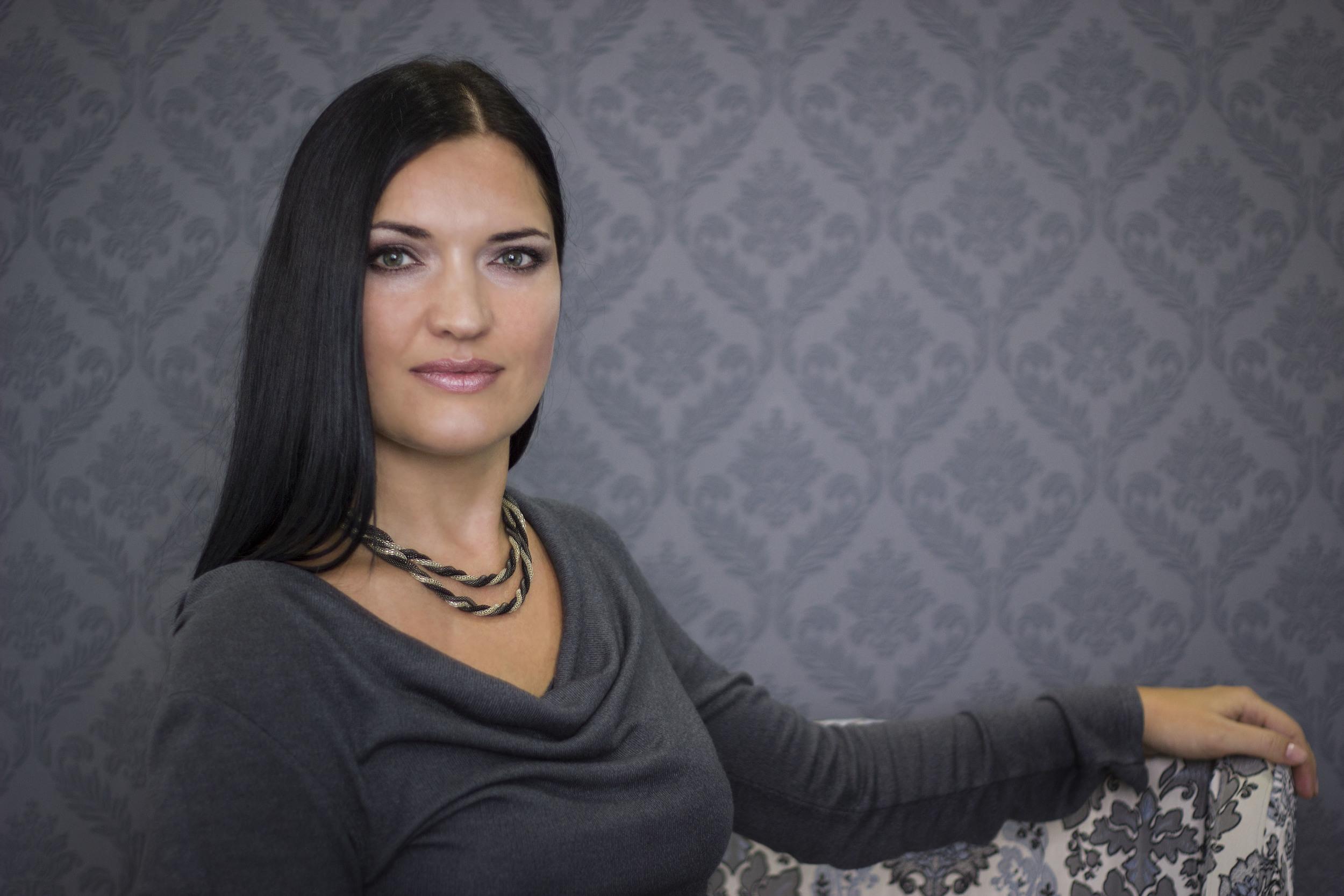 Τένοβα Ιορδάνα,μαιευτίρας γυναικολόγος,Κοζάνη,τεστ ΠΑΠ,κολποσκόπηση,3-D 4-D υπέρηχο,φυσιολογοκός τοκετός,καισαρική τομή, εξέταση μαστών