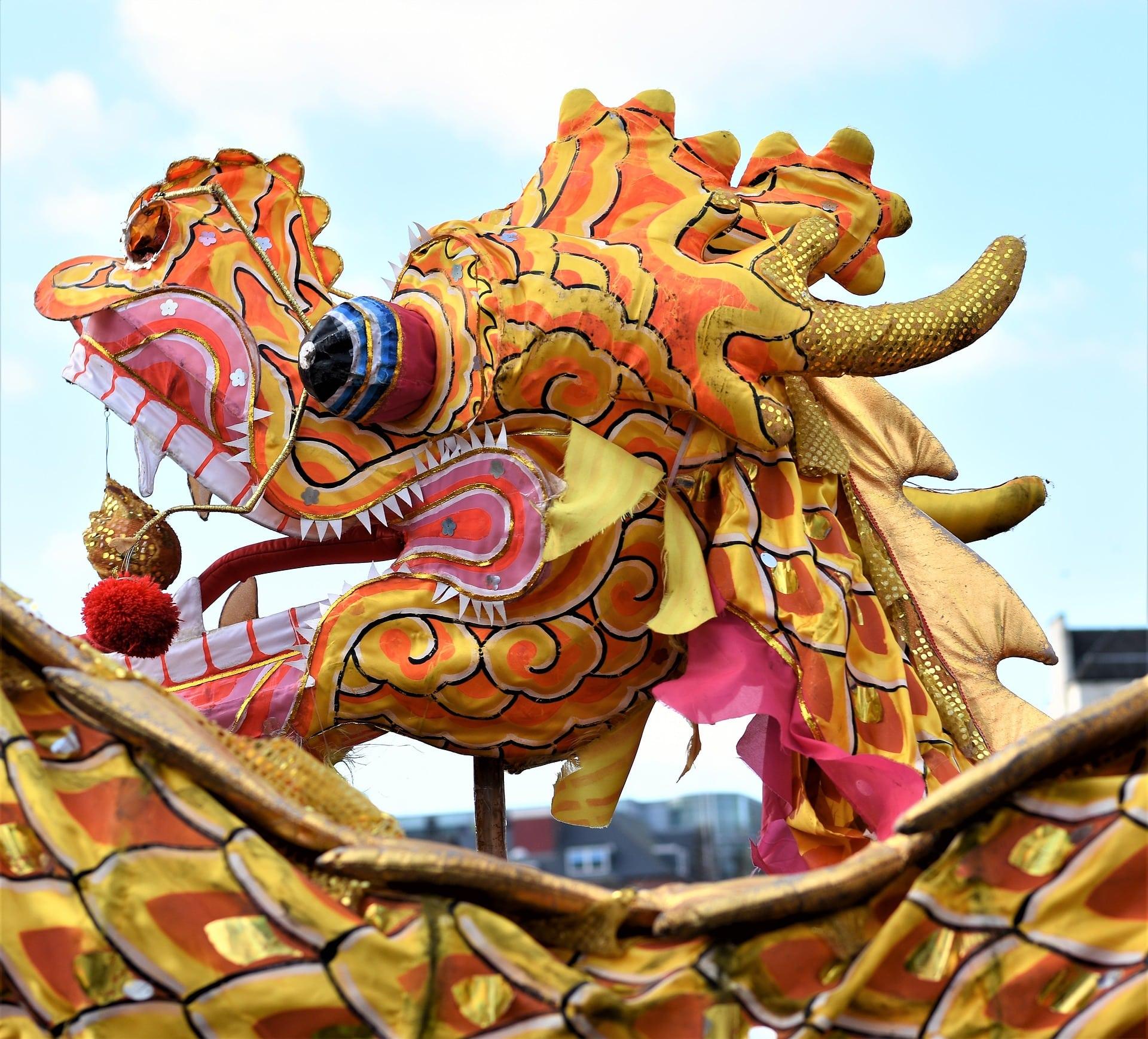 chinese-new-year-3972740_1920-min.jpg