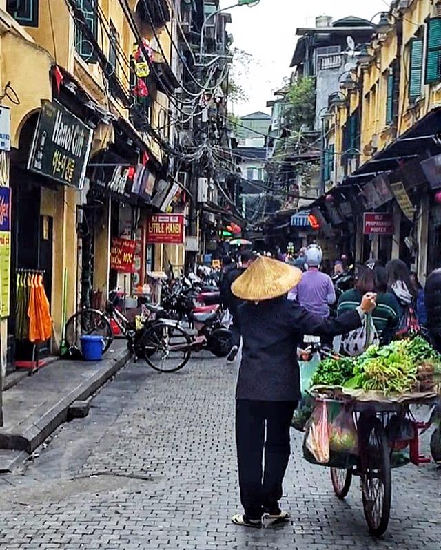 Kinetic Hanoi.