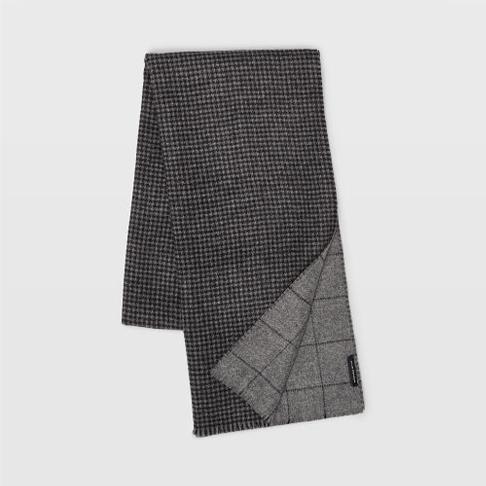 Reversible Houndstooth Scarf   HK$1,290