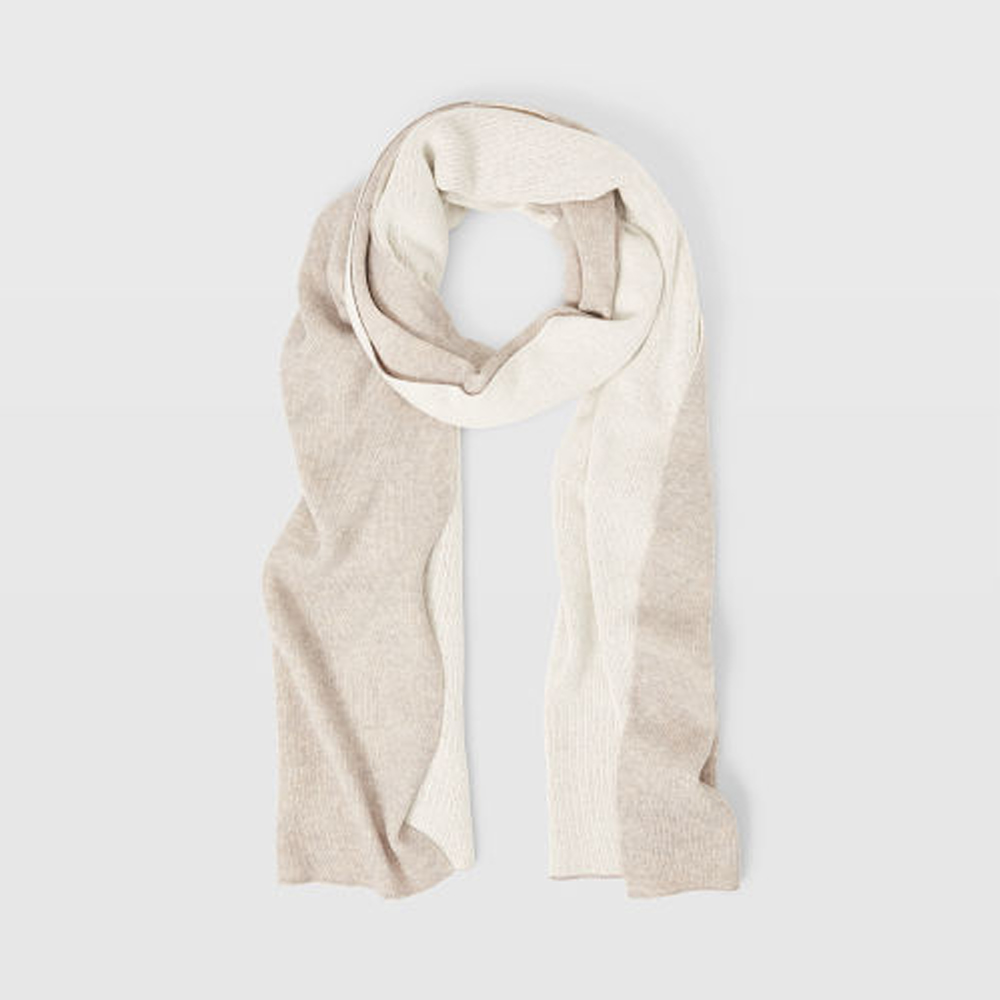 Bedford Scarf   was HK$1,290   now HK$903