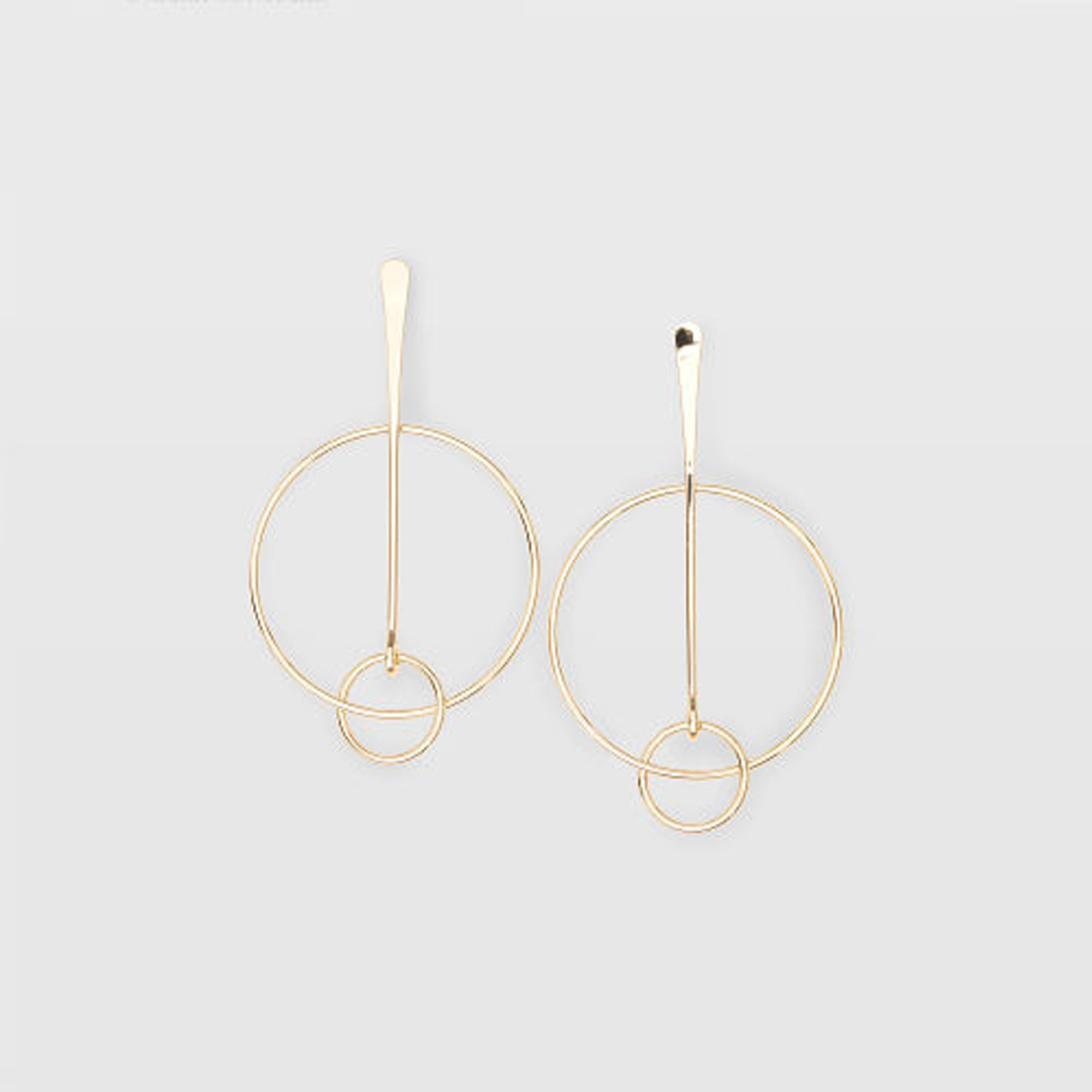 Multi Circle Earring   HK$390