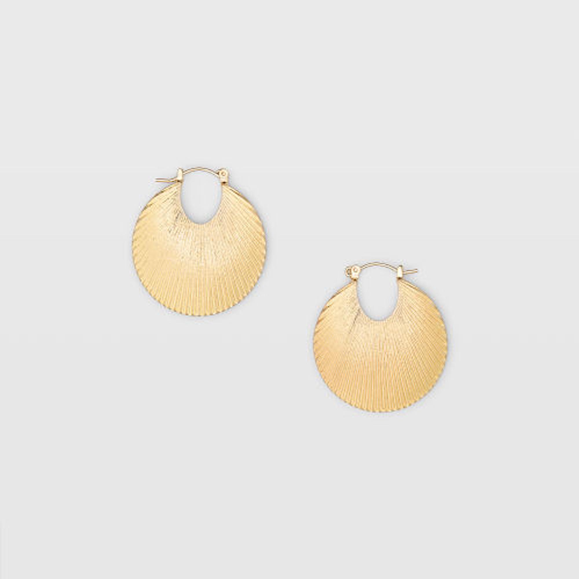 Texture Hoop Earring   HK$390