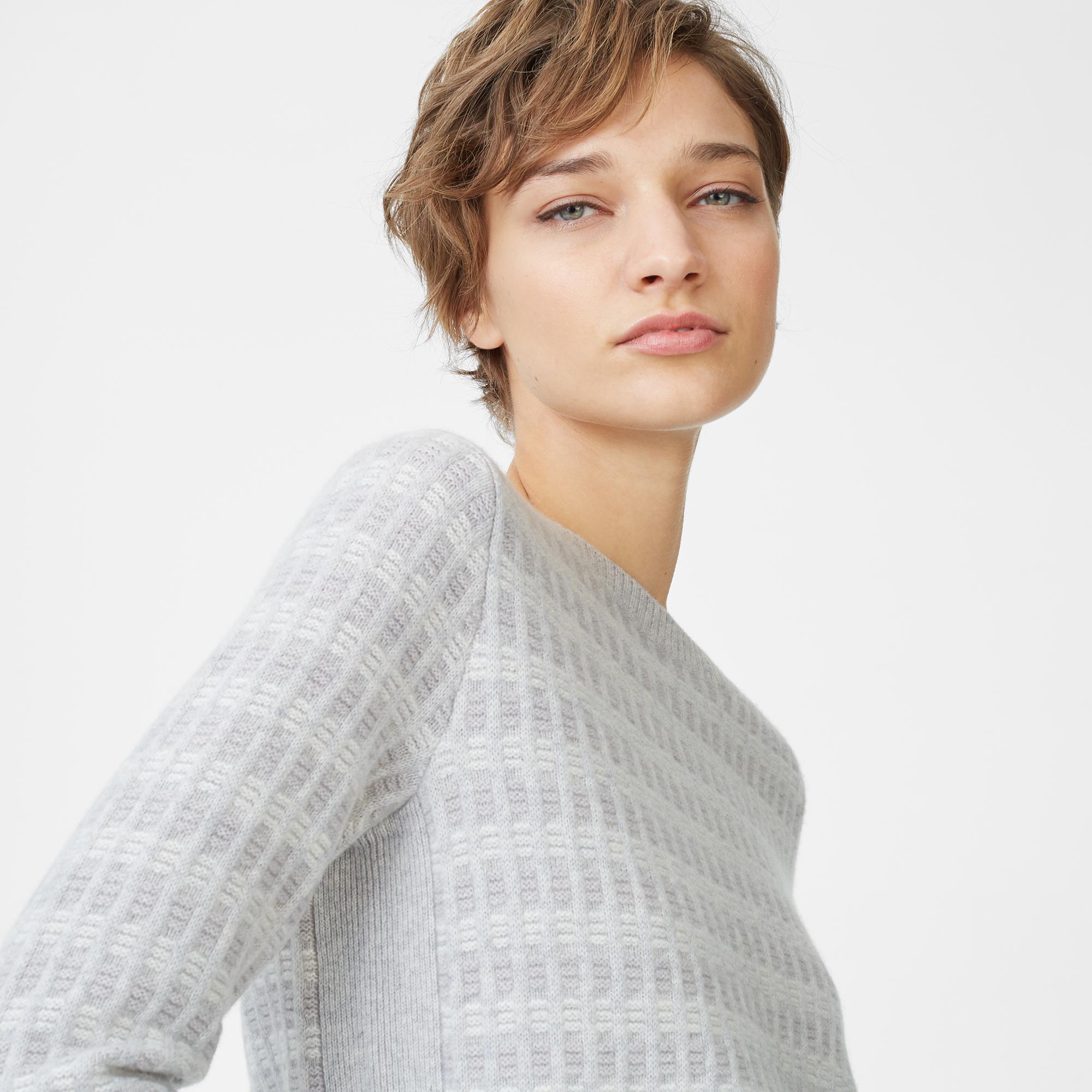 Belusho Cashmere Sweater   HK$3,790