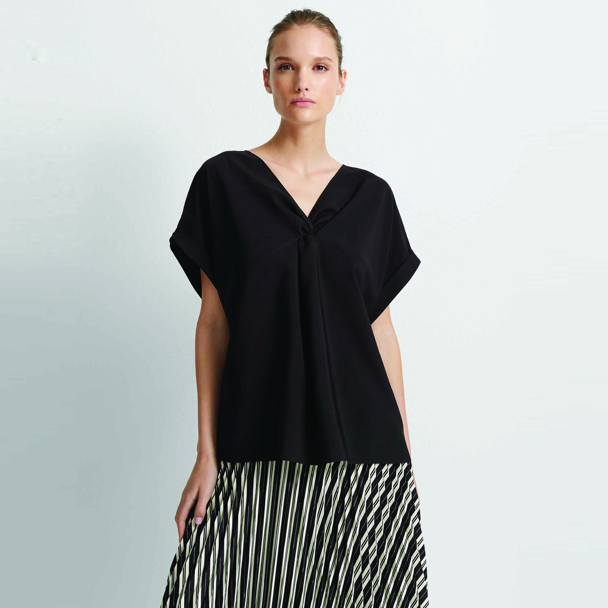 Front Twist Top Black.jpg