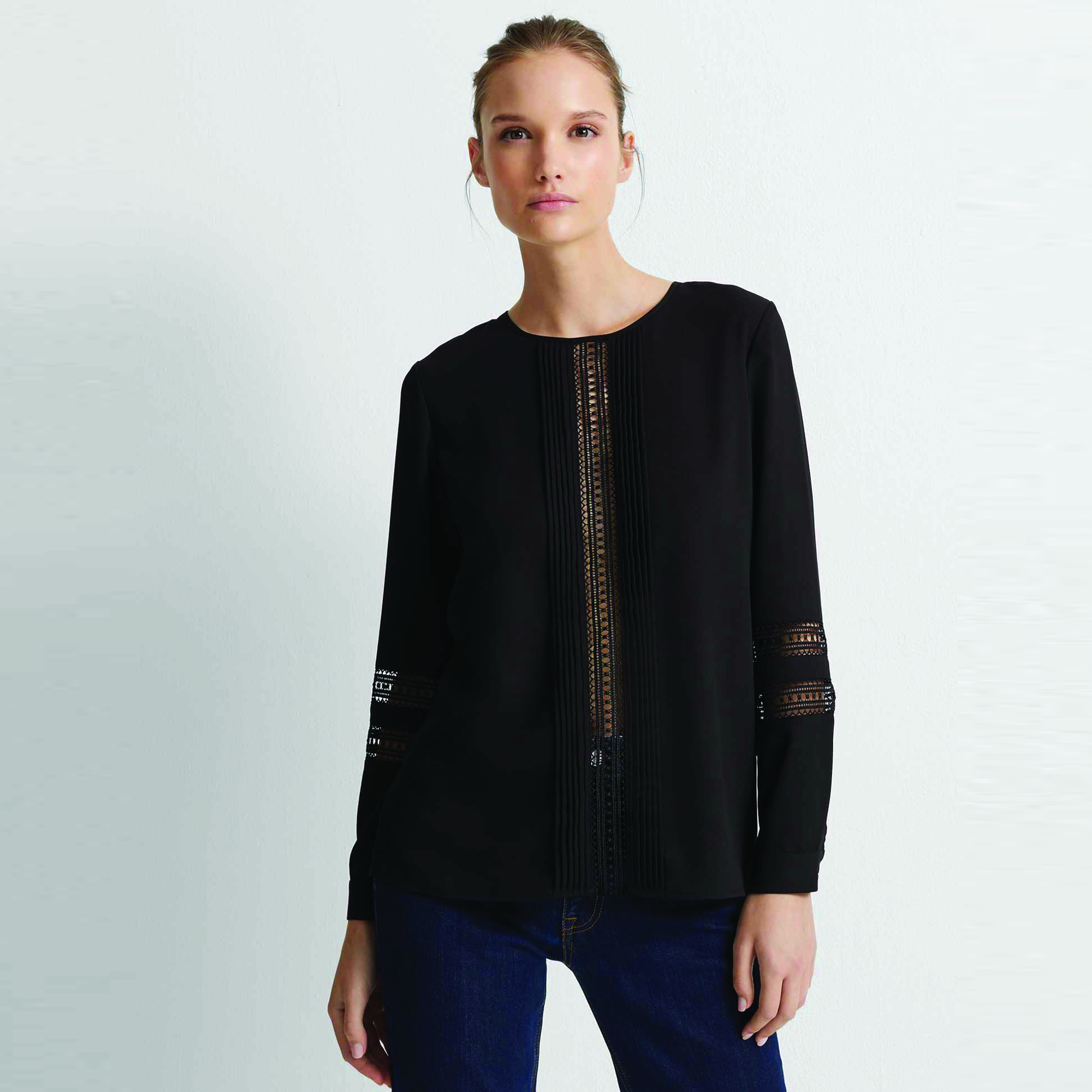 Lace Pintuck Top Black.jpg