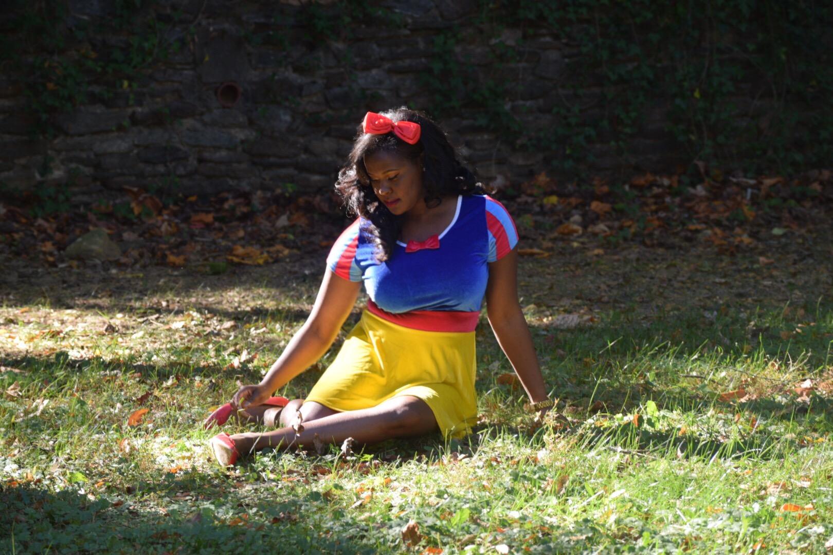 Snow White Dress ( here ), Red headband ( here ), Poison Apple Stein (purchased at Disney World)