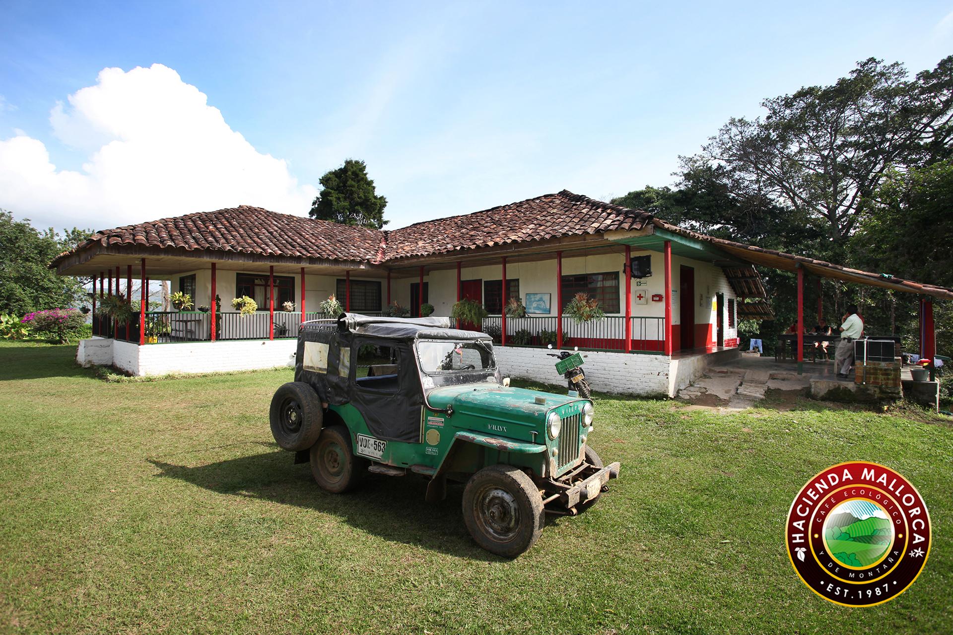 Willy y Casa Selva.jpg