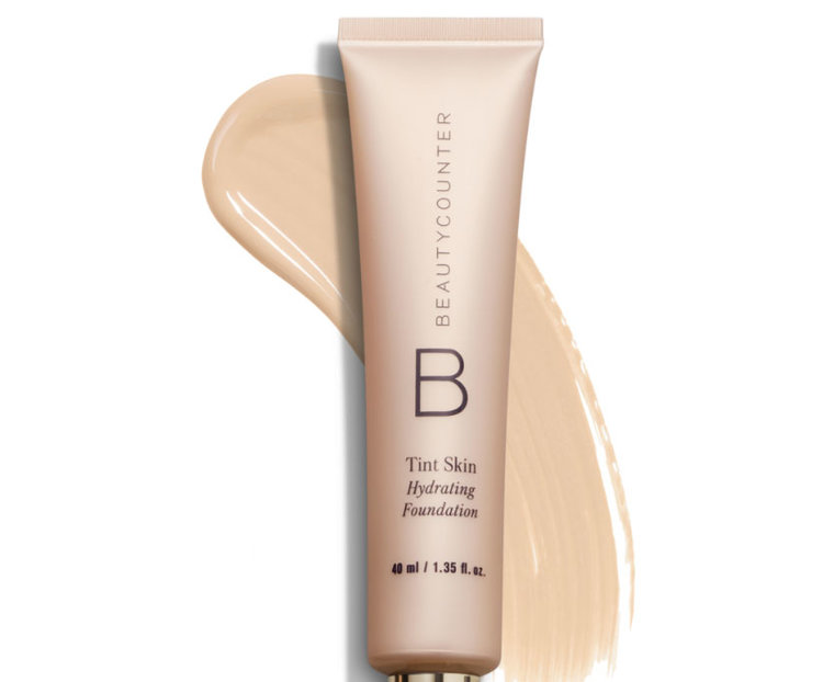 This game-changing Tint Skin Foundation is a lightweight, creamy foundation that cares for your skin. The formula goes on seamlessly and blends effortlessly to cover imperfections and even skin tone. And sodium hyaluronate, a natural moisture magnet, promotes smoother-looking skin and reduces the appearance of fine lines and wrinkles.
