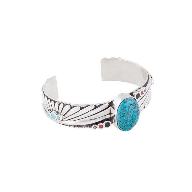 Coral, turquoise, abalone shell and onyx! . . . . #dinehjewelry #turquoise #coral #abaloneshell #onyx #silvercuff #navajojewelry #navajomade #diné #navajo #navajonation #womanownedbusiness #braceletlover #cuffbracelet #mensjewelry #womensbracelets #bijouxfemme #bijouxhomme #jewellerydesigns #nativeart #qualityoverquantity #instajewels #instajewelry