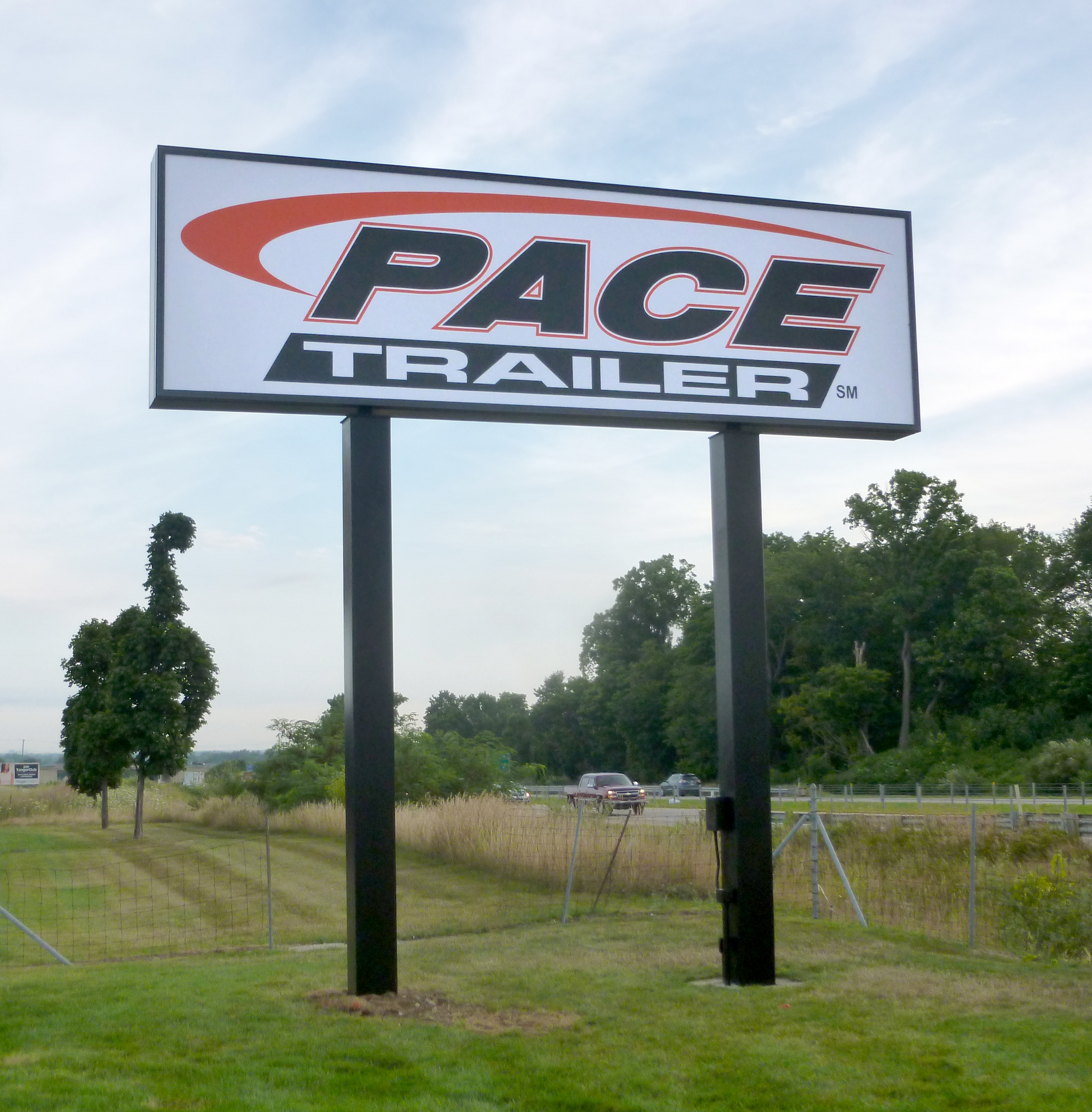 pace trailer - pylon sign with flexible fabric faces and led illumination