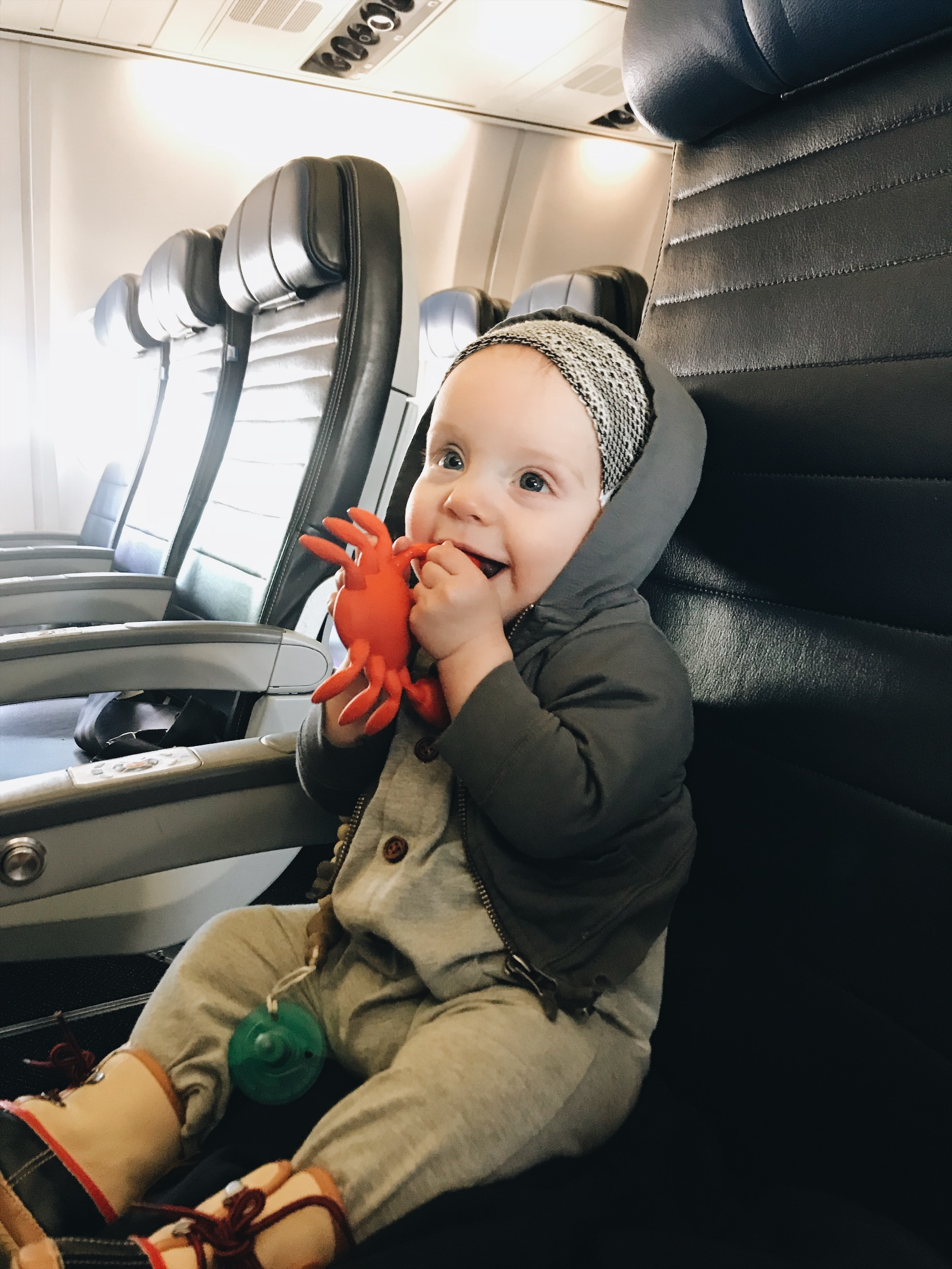 flying-with-newborns