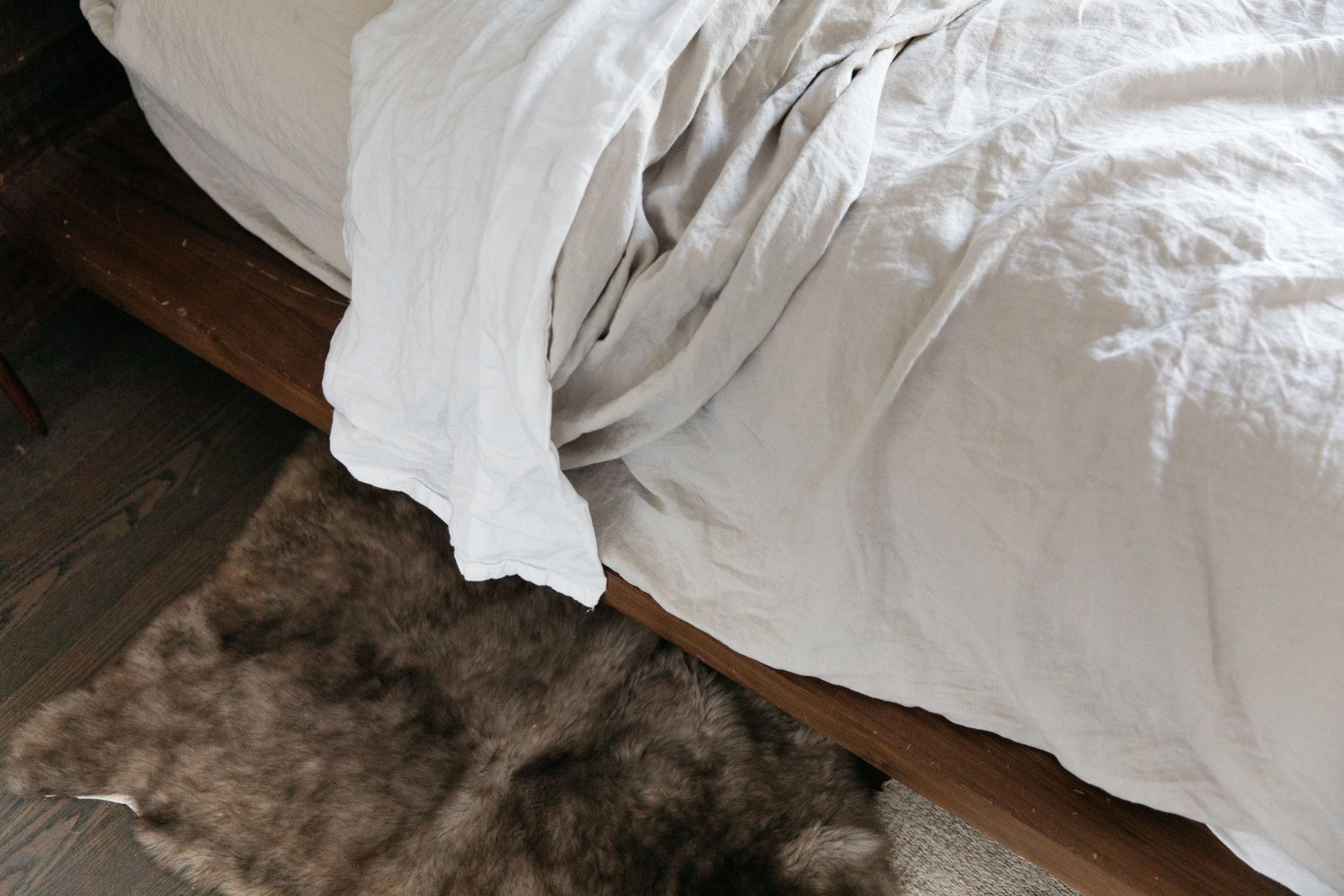 parachute-home-venice-linen-sheets-12.jpg