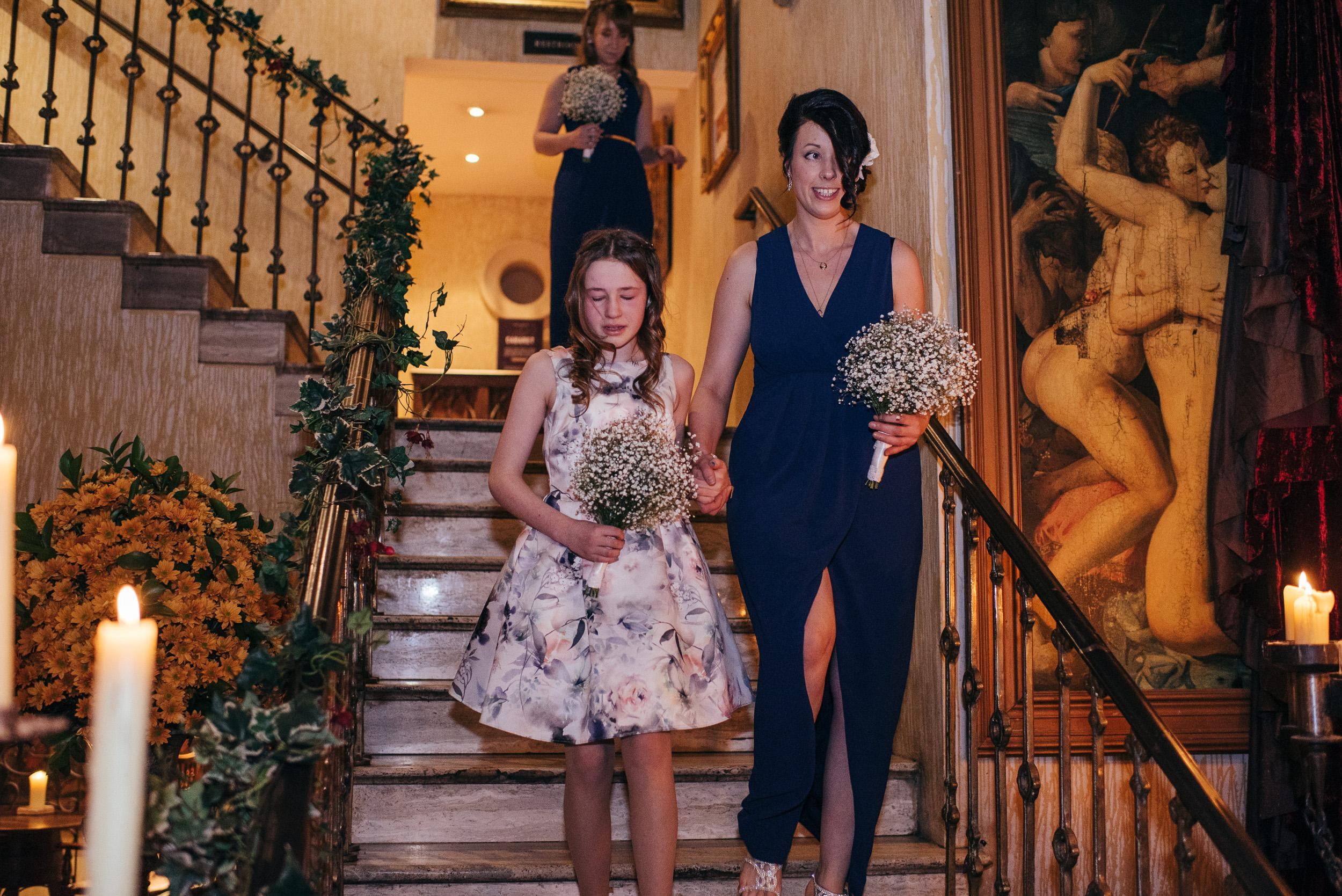 Bridesmaids arrival Arta
