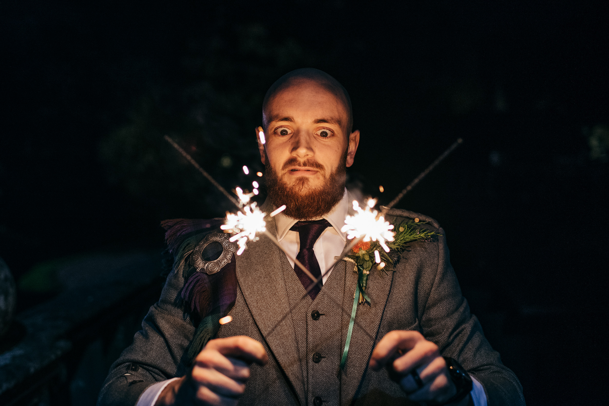 Wedding sparklers pictures