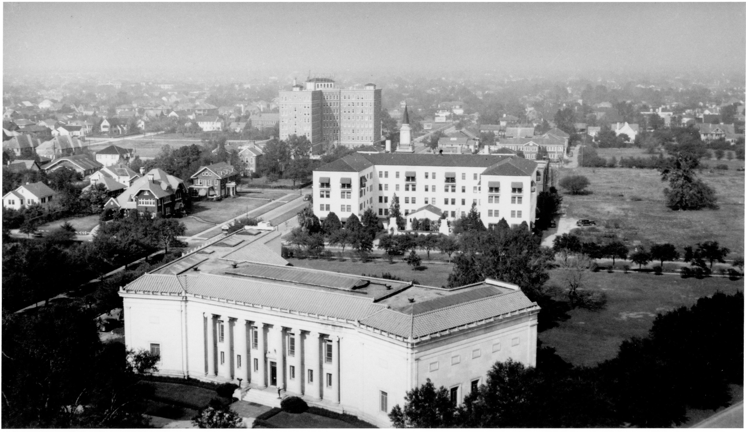 The Museum of Fine Arts Houston and surrounding neighborhood, circa 1926. Used with permission from the Archives at the Museum of Fine Arts, Houston.