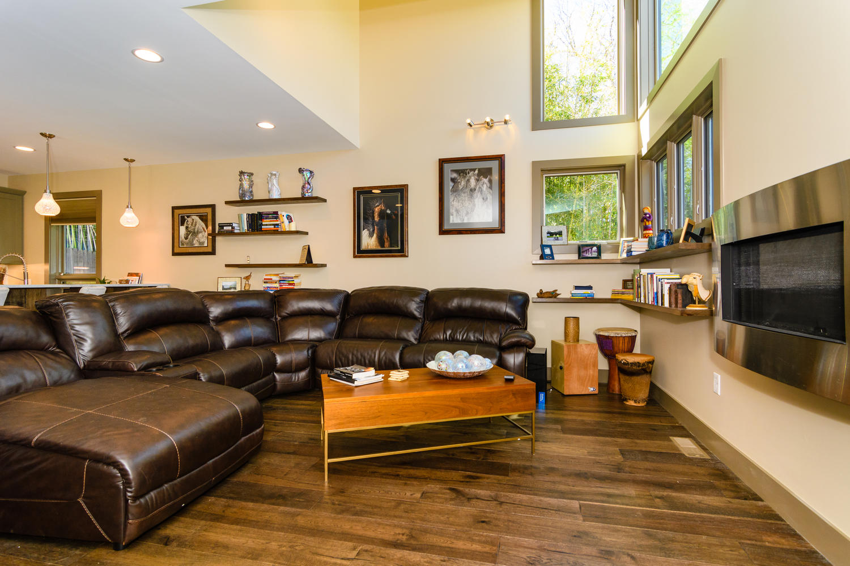 44 Druid Dr Asheville NC 28806-large-006-24-Living Room-1500x1000-72dpi.jpg