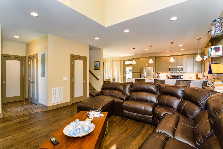 44 Druid Dr Asheville NC 28806-large-007-26-Living Room-1500x1000-72dpi.jpg