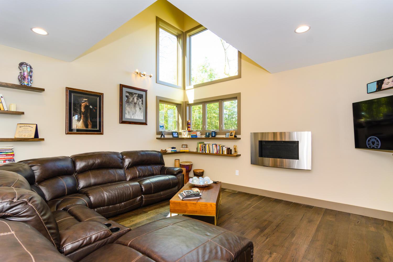 44 Druid Dr Asheville NC 28806-large-008-19-Living Room-1500x1000-72dpi.jpg