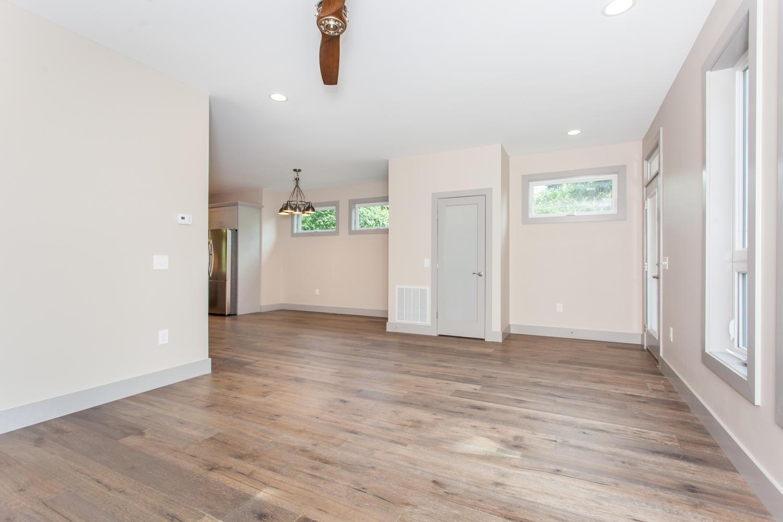 84 Middlemont Ave Asheville NC-large-005-2-Living Room-1500x1000-72dpi.jpg