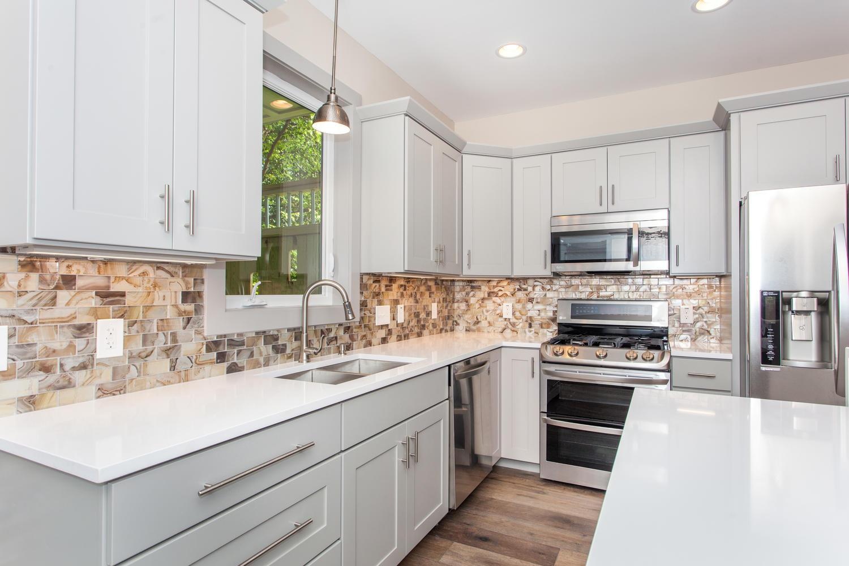 84 Middlemont Ave Asheville NC-large-011-16-Kitchen-1500x1000-72dpi.jpg