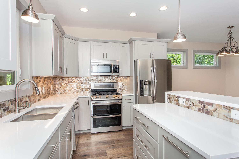 84 Middlemont Ave Asheville NC-large-012-10-Kitchen-1500x1000-72dpi.jpg