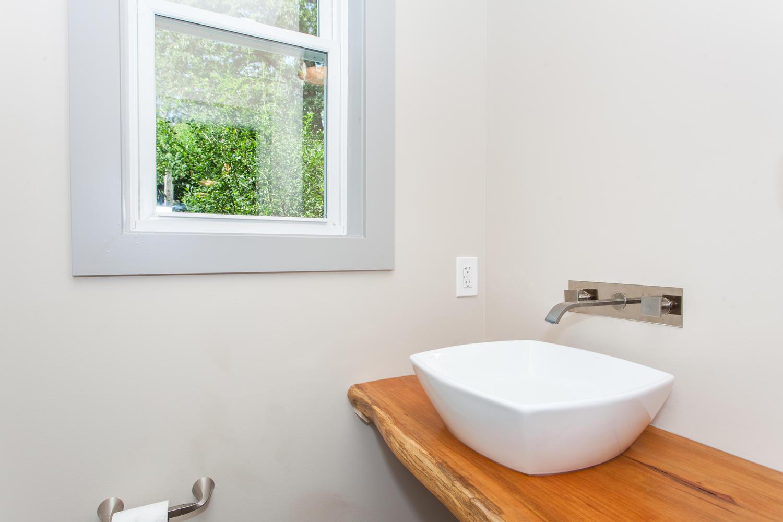 84 Middlemont Ave Asheville NC-large-020-8-Bathroom-1500x1000-72dpi.jpg