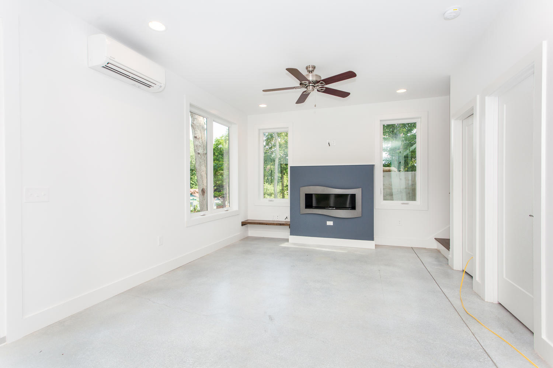 29 Lundy Ln Waynesville NC-large-006-26-Living Room-1500x1000-72dpi.jpg