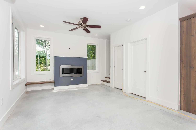 29 Lundy Ln Waynesville NC-large-007-27-Living Room-1500x1000-72dpi.jpg