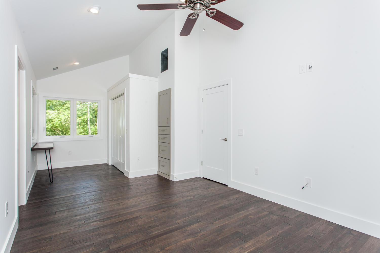 29 Lundy Ln Waynesville NC-large-017-7-Master Bedroom-1500x1000-72dpi.jpg