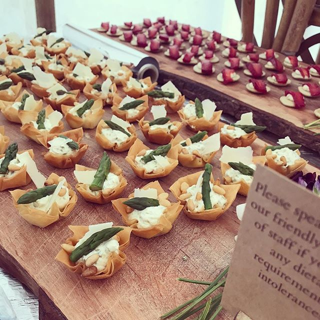 • Asparagus, cream cheese, Parmesan and pine nut tartlets • Beetroot cured salmon with dill, horseradish and caper cream on a chive bilini •
