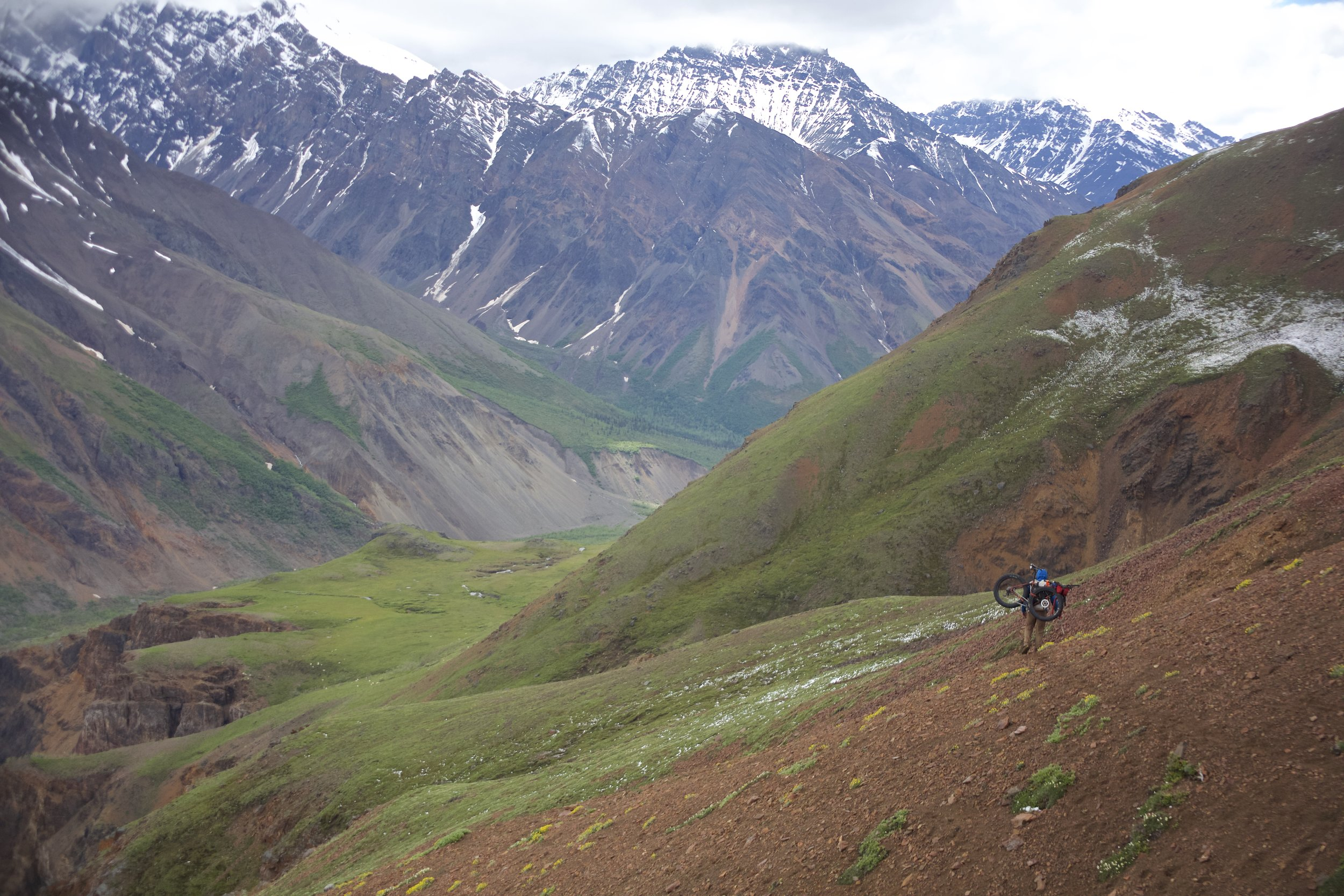 Brett makes his way along the goat trails. Photo: Mike Curiak.