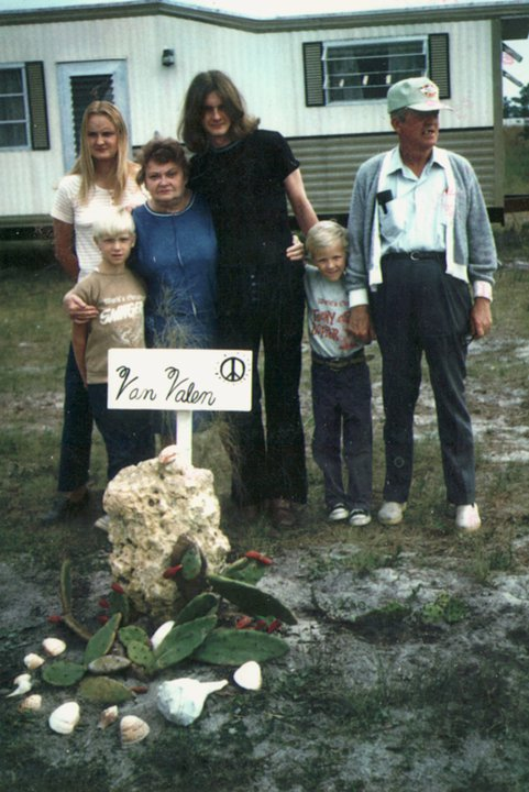 Florida, 1971, with dad Jack, mom Jeannette, sister Sue, and nephews