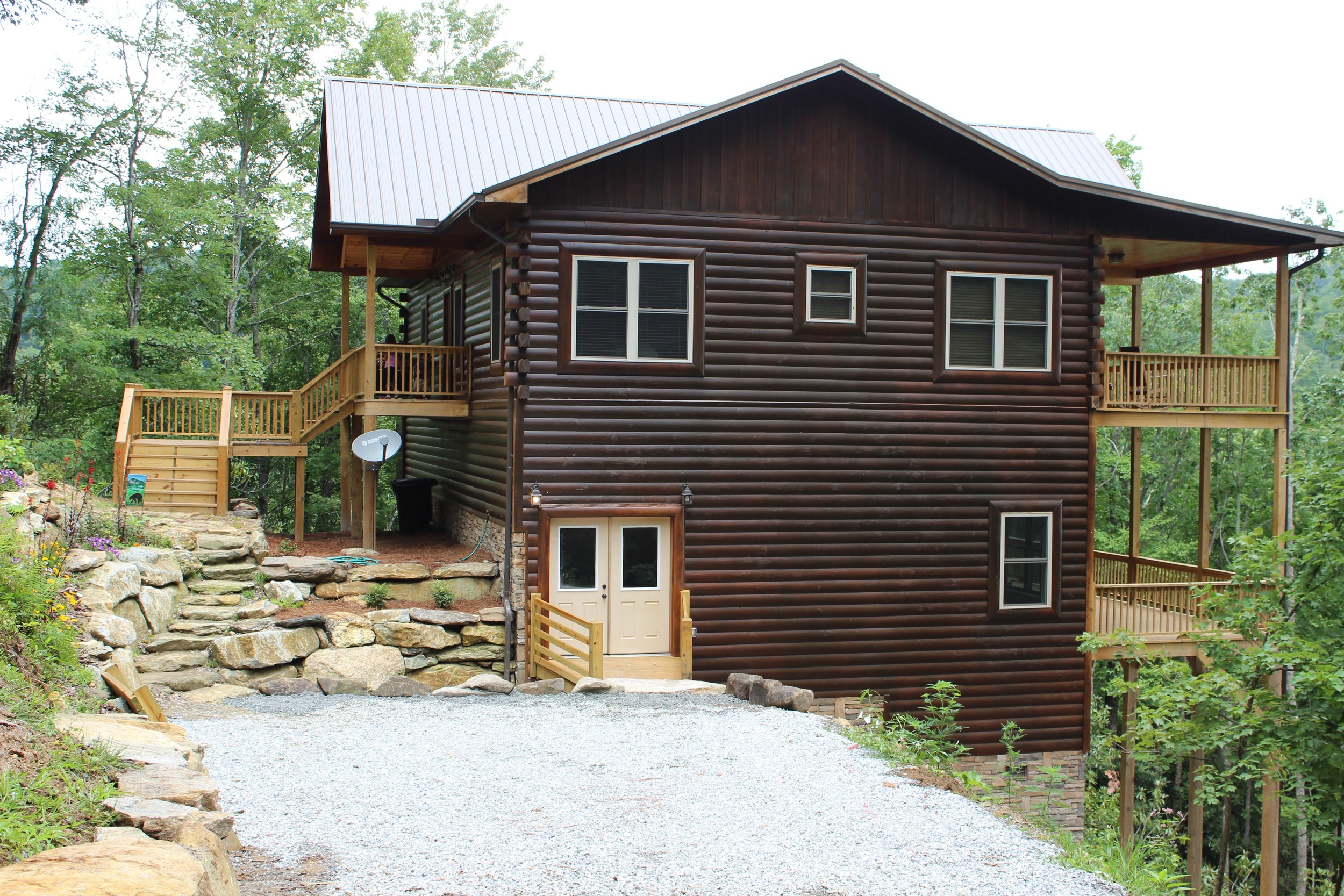 Comfortable. Cozy. Rejuvenating.    Cashiers Log Cabin    Book Now