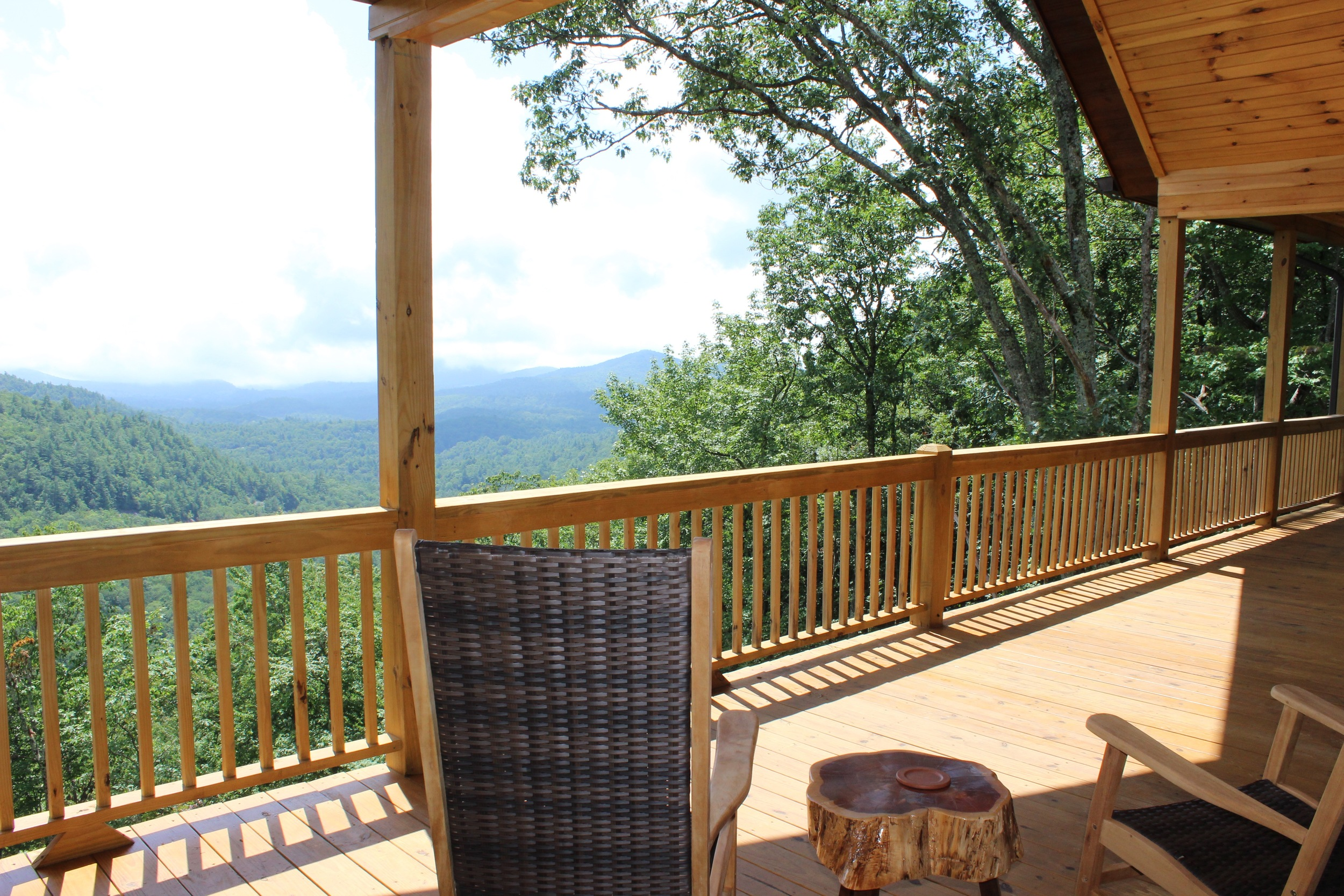 Beautiful. Breathtaking. Enjoyable.   Cashiers Log Cabin    Book Now