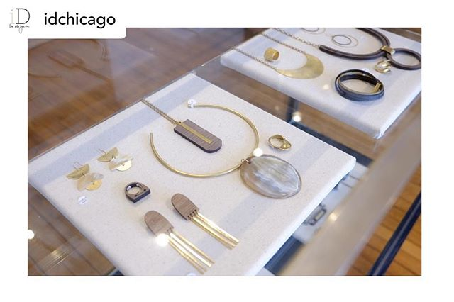 Thank you @idchicago for highlighting Crosslyne on this #internationalwomensday. If you're in Bucktown you must check out their impeccable shop featuring home decor, furniture, eyewear, art and jewelry. So thrilled to be working with them. ❤️