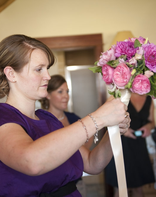 Tahmina prepares a bouquet