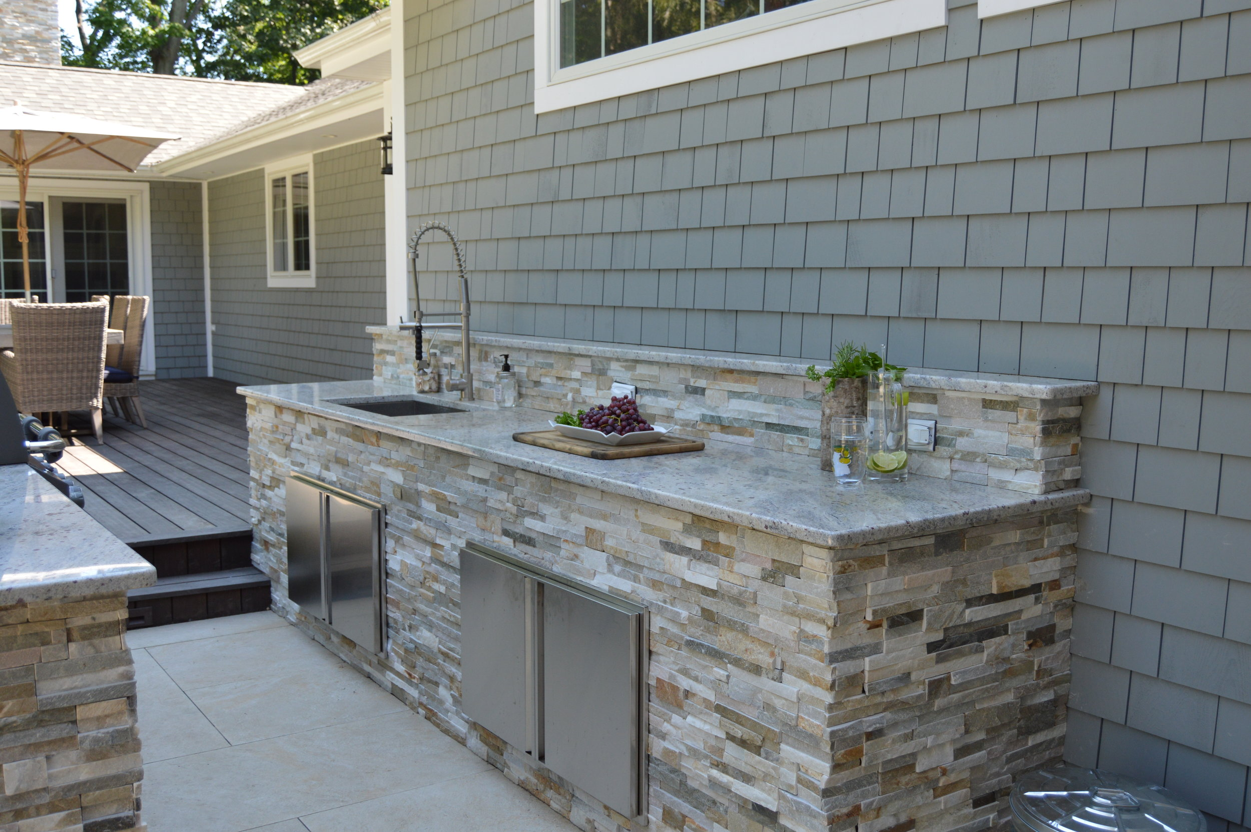 Long Island, NY outdoor kitchen made of natural stone