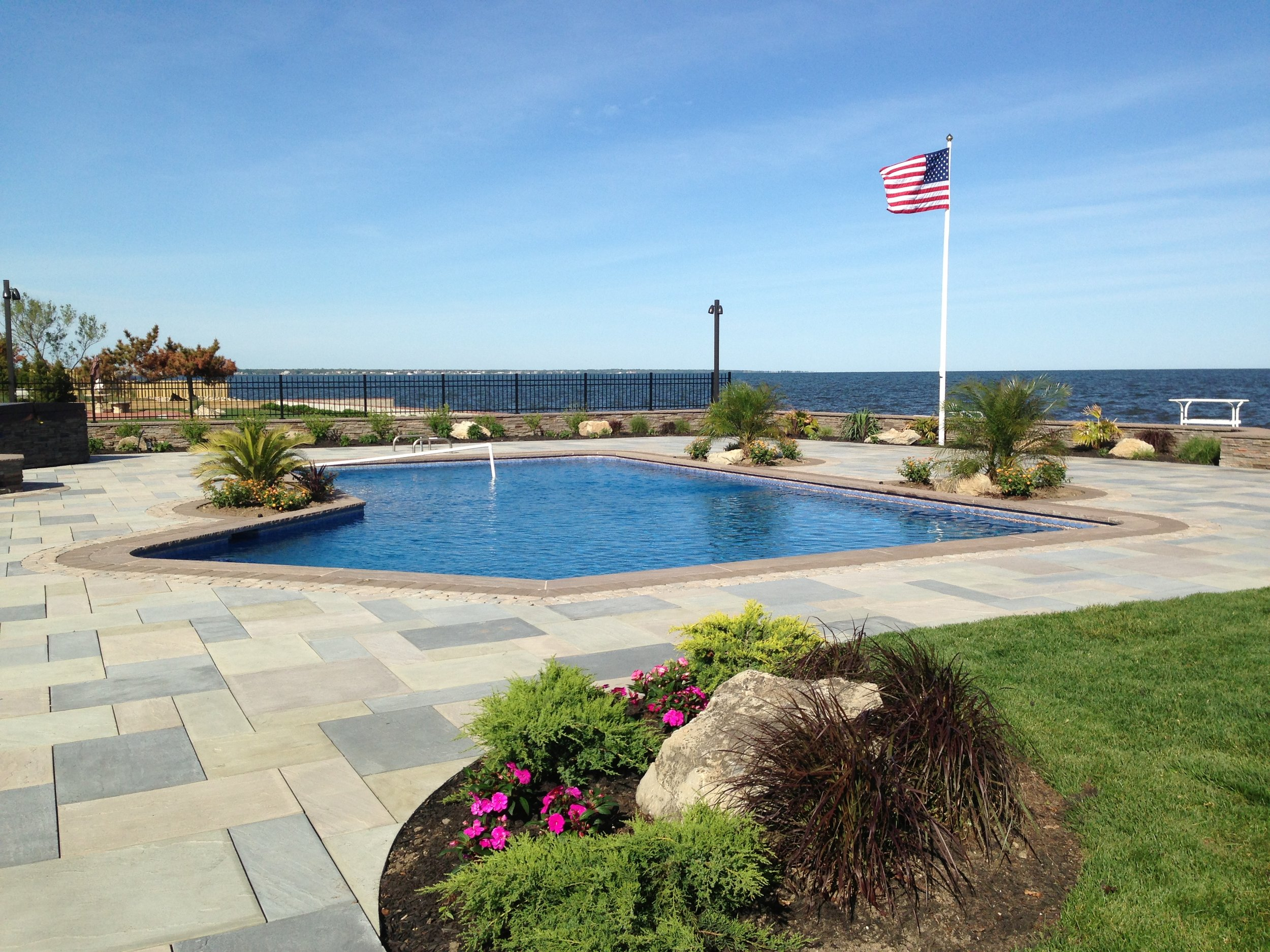 oceanfront swimming pool design in Smithtown, NY