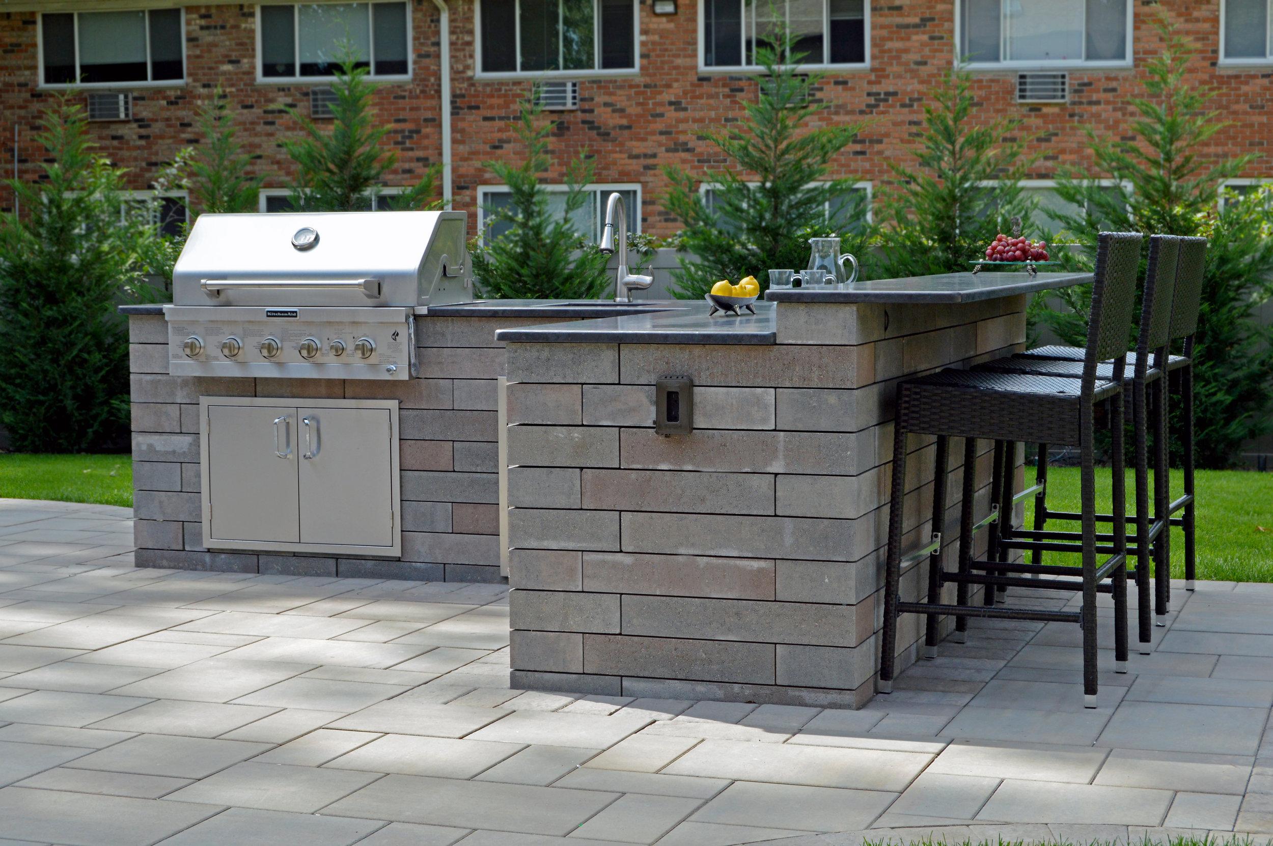 Nesconset, NY outdoor kitchen area
