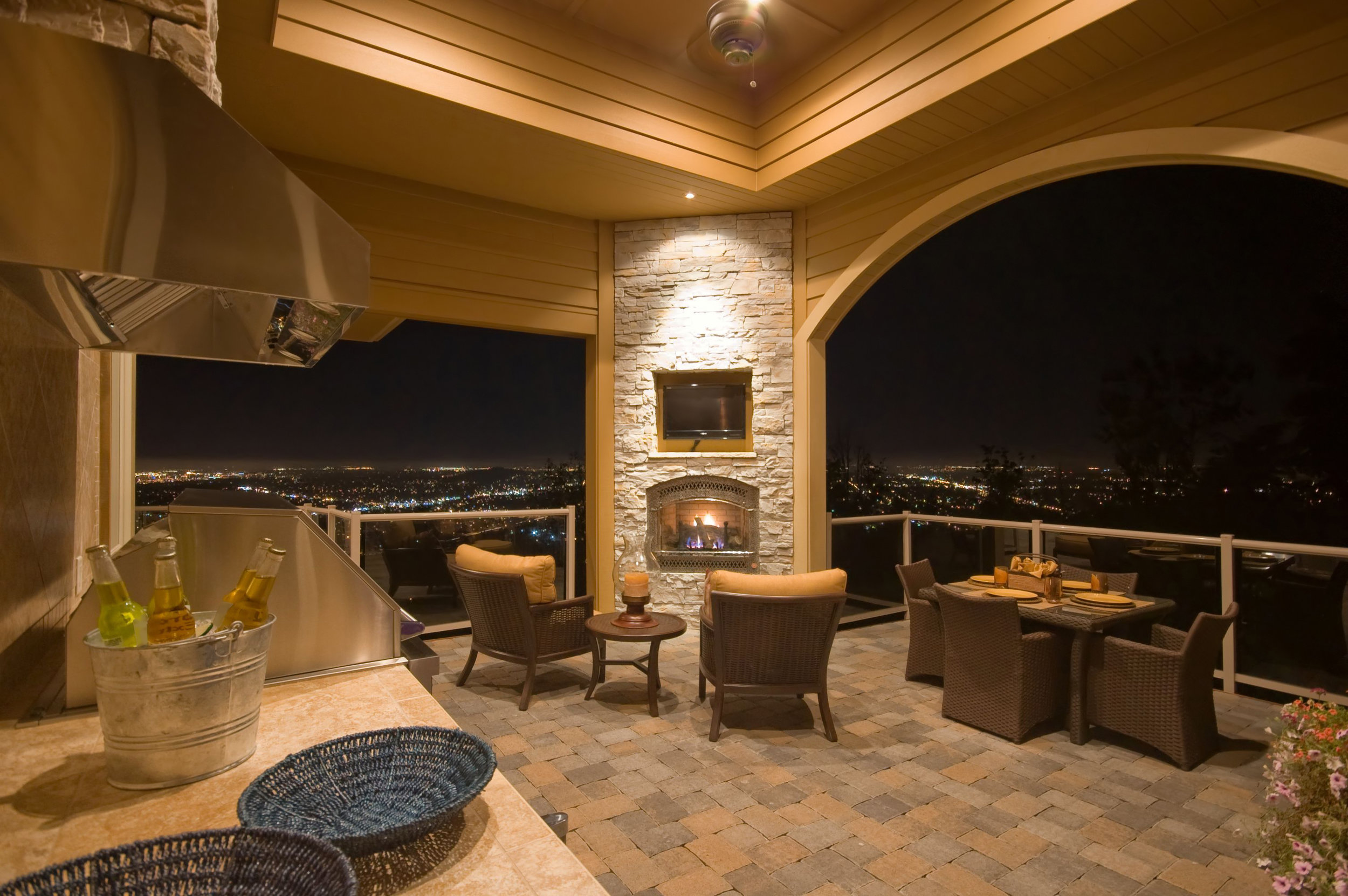 5 Tips for the Perfect Outdoor Kitchen Lighting Plan in Hauppauge, NY