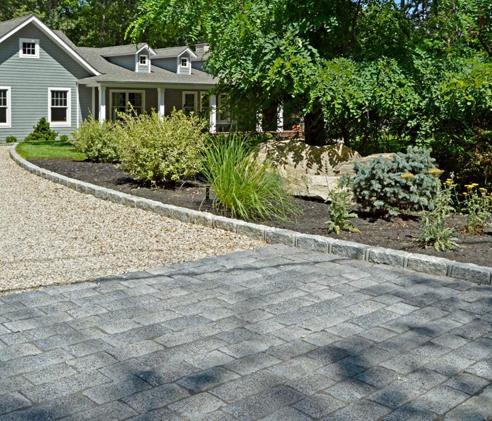 4 Showstopping Driveway Designs for Your Hauppauge, NY Landscape