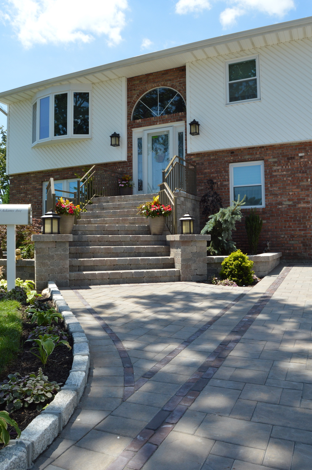 4 Landscape Lighting Ideas for Improving the Safety of Your Huntington Station NY Front Entrance And Driveway