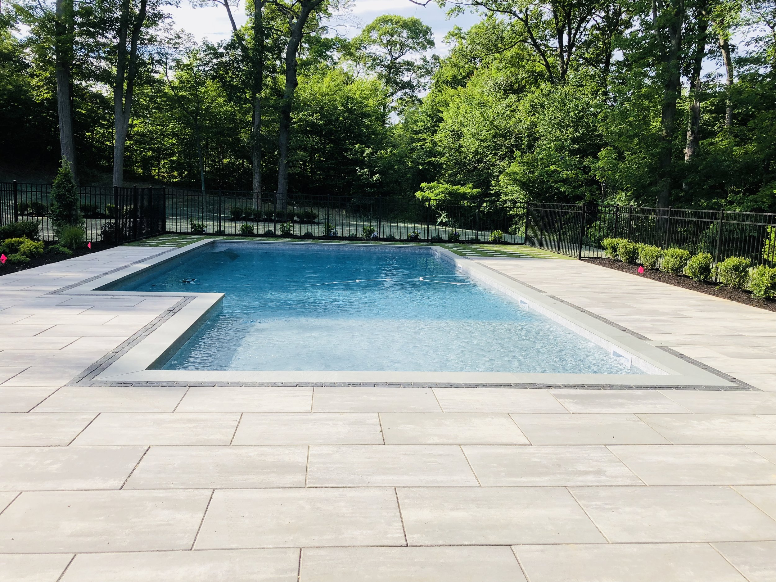 5 Sleek and Stylish Swimming Pool Designs to Consider for Your Melville, NY, Home