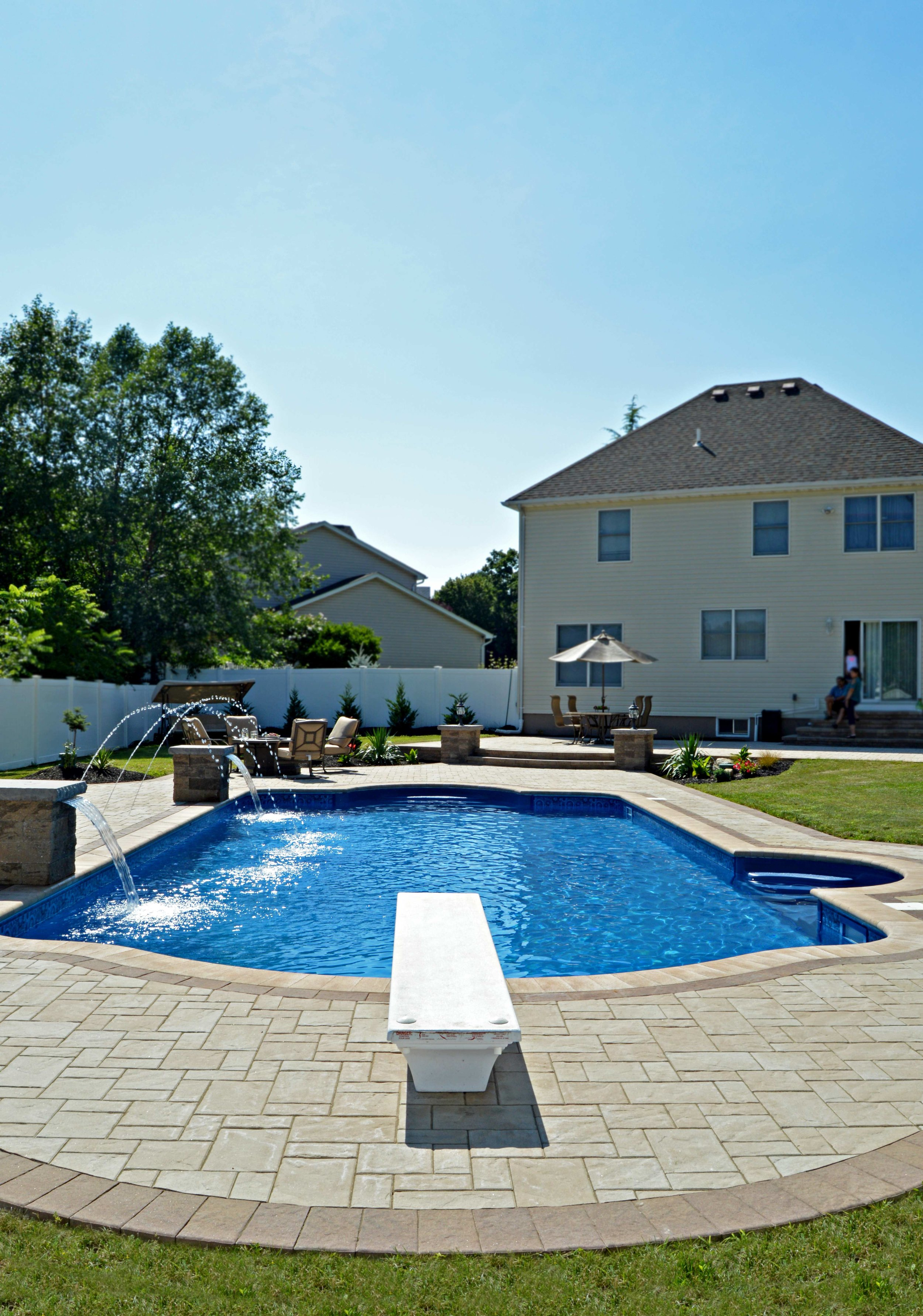 9 Features for Your Commack, NY, Swimming Pool