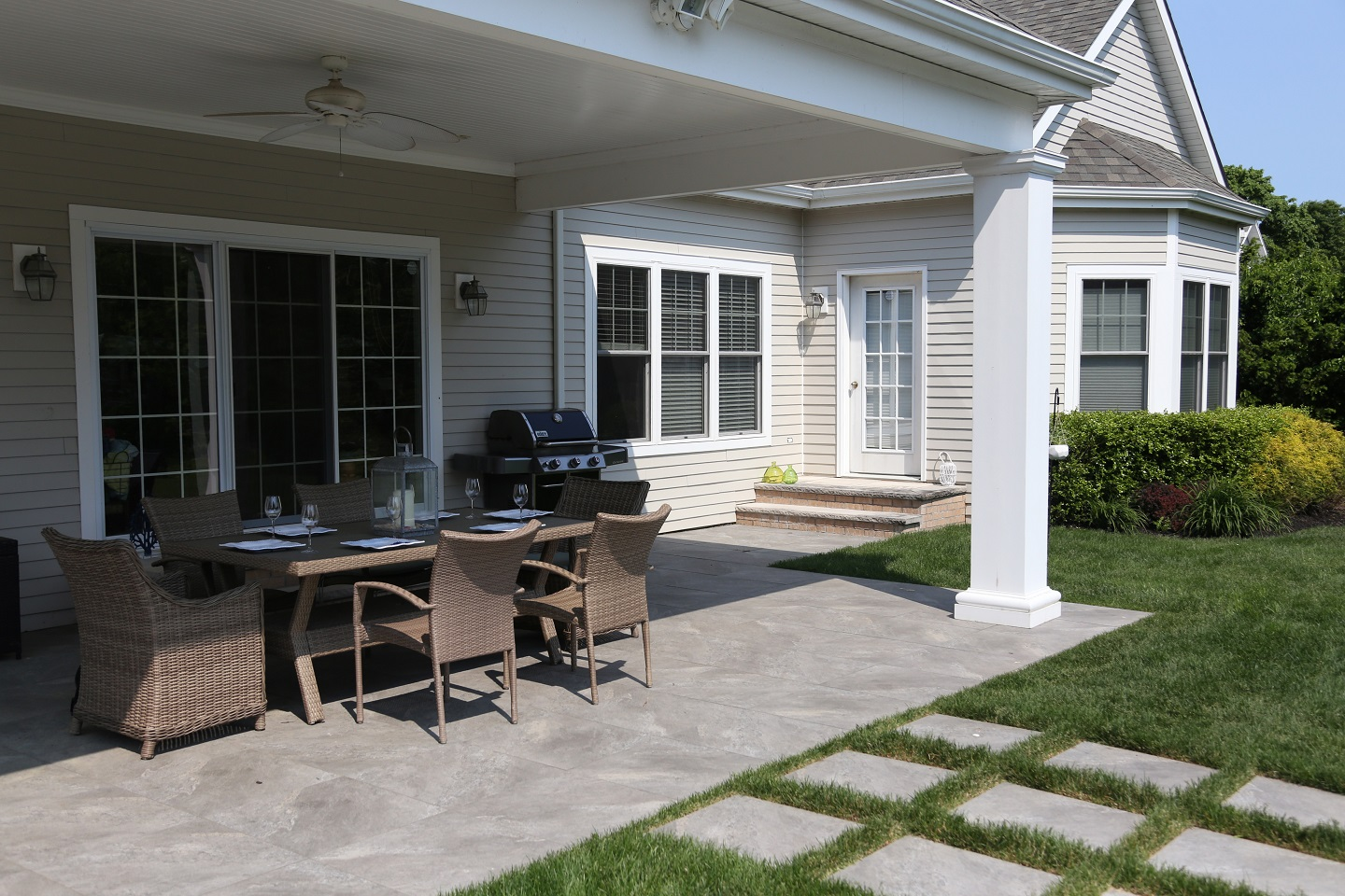 Patios with outdoor kitchen in Long Island NY