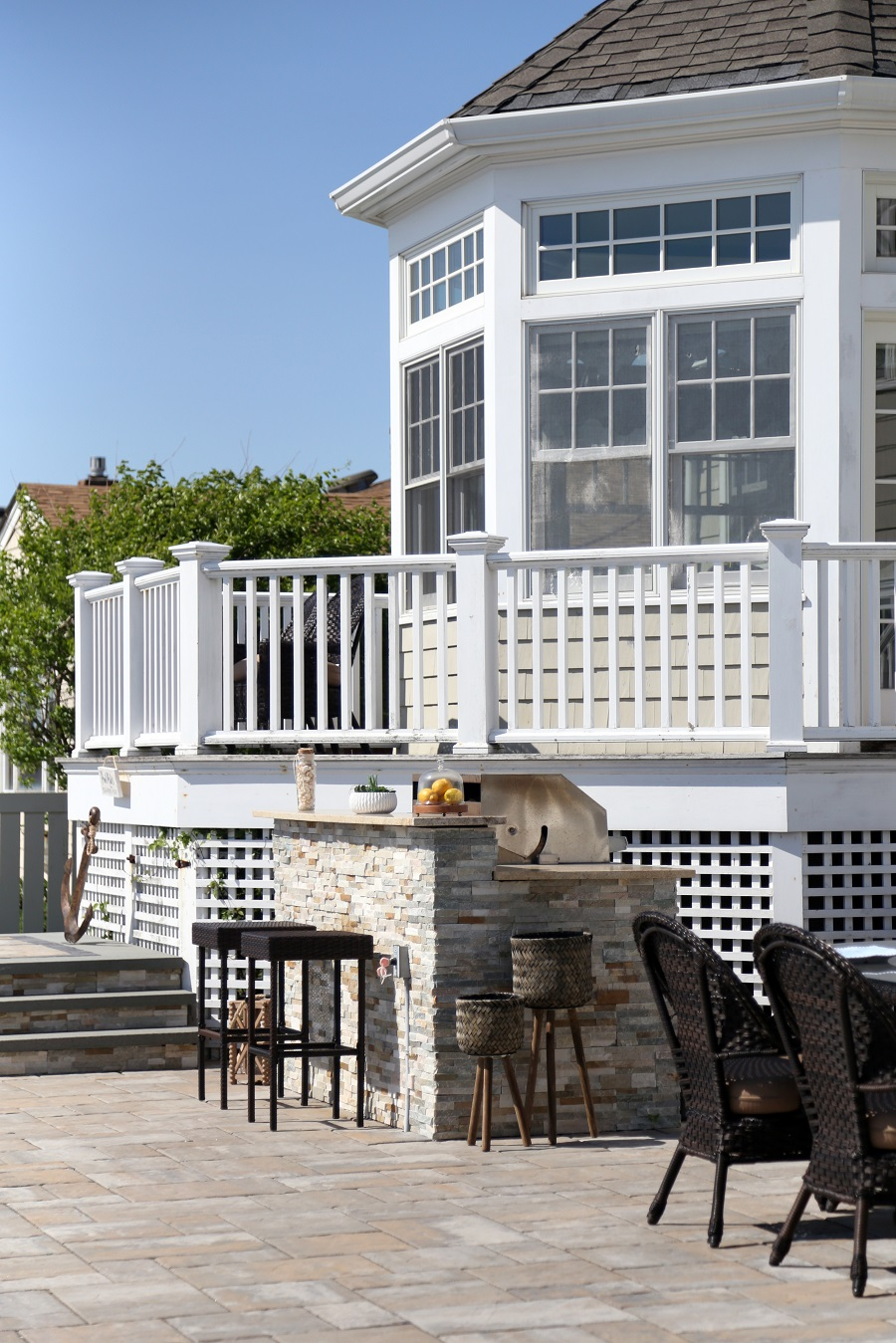 Patios with outdoor kitchen in Massapequa NY
