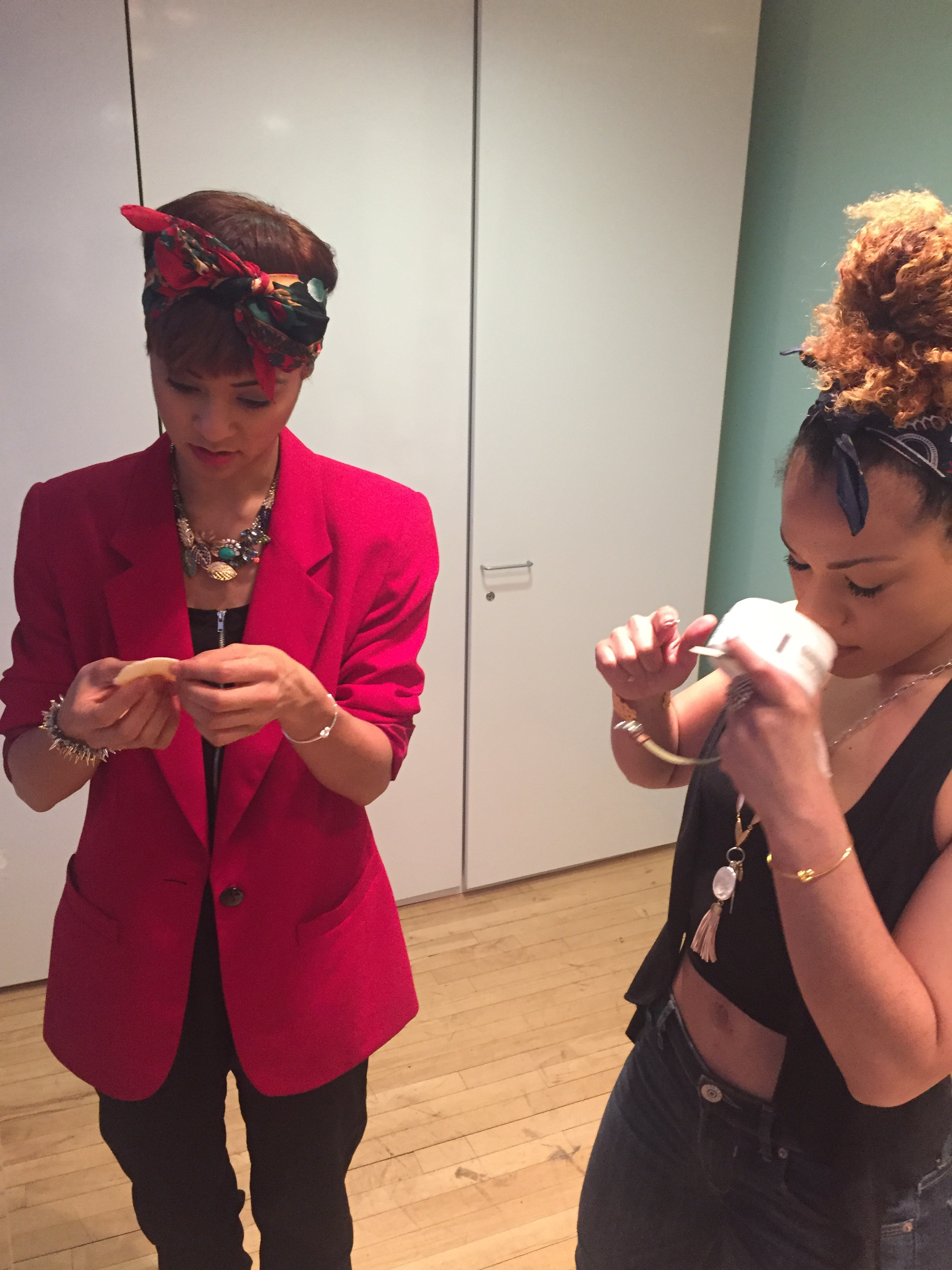 Left @syndeewinters (Schuyler Sisters Standby) and right @alysha_des (Peggy Schuyler) also fall in love with our award-winning  REVEAL Biomimetic Peel Pads with LSR10   ®.