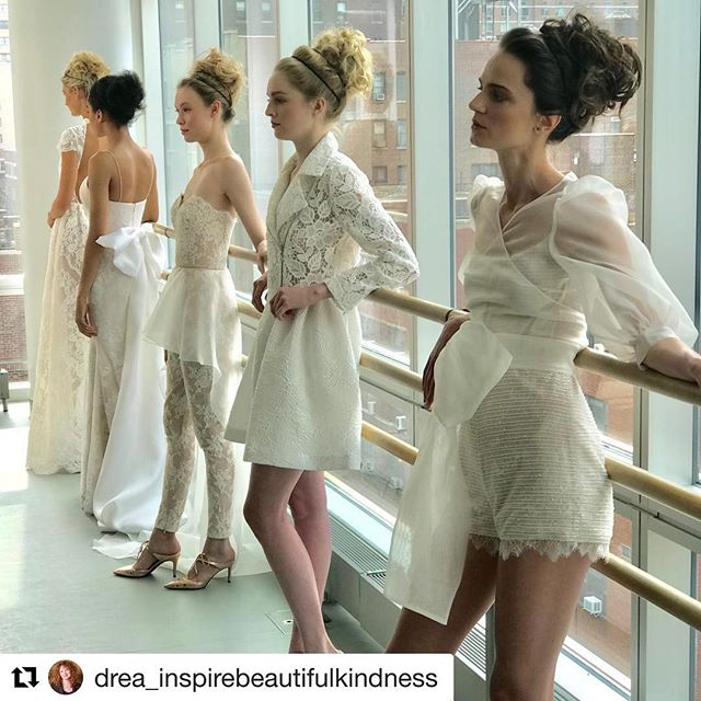 What an amazing show to be apart of. Thank you @gracyaccad ⭐️ .... #Repost @drea_inspirebeautifulkindness with @get_repost #hairstylist #bridal #fashionweek #newyork